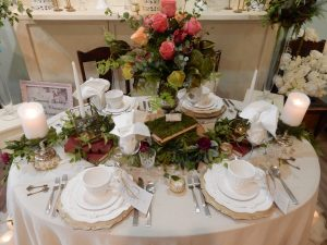 """""""Shabby 2 Chic Fall Tablescape"""""""